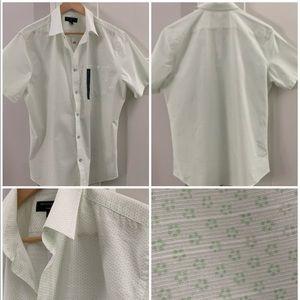 NWT Men's EXPRESS button up collar shirt size Lg.
